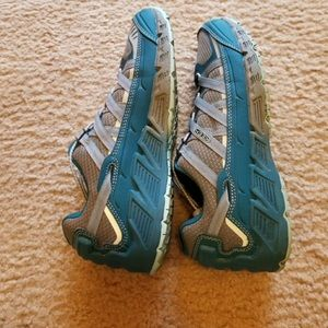 Keen shoes size 9.5